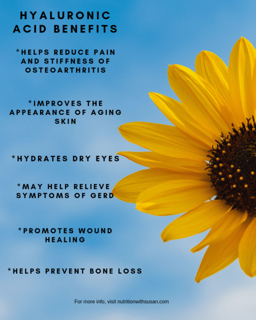 Yellow daisy in from of blue sky with benefits of hyaluronic acid listed beside daisy.